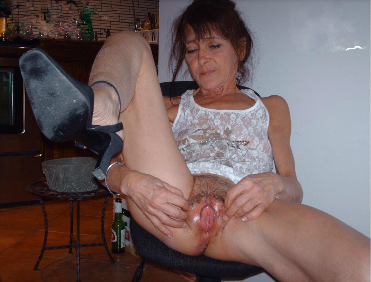 Free lesbian tushy massage