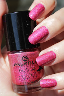 http://lacquediction.blogspot.de/2016/08/essence-exit-to-explore-nail-polish-04.html