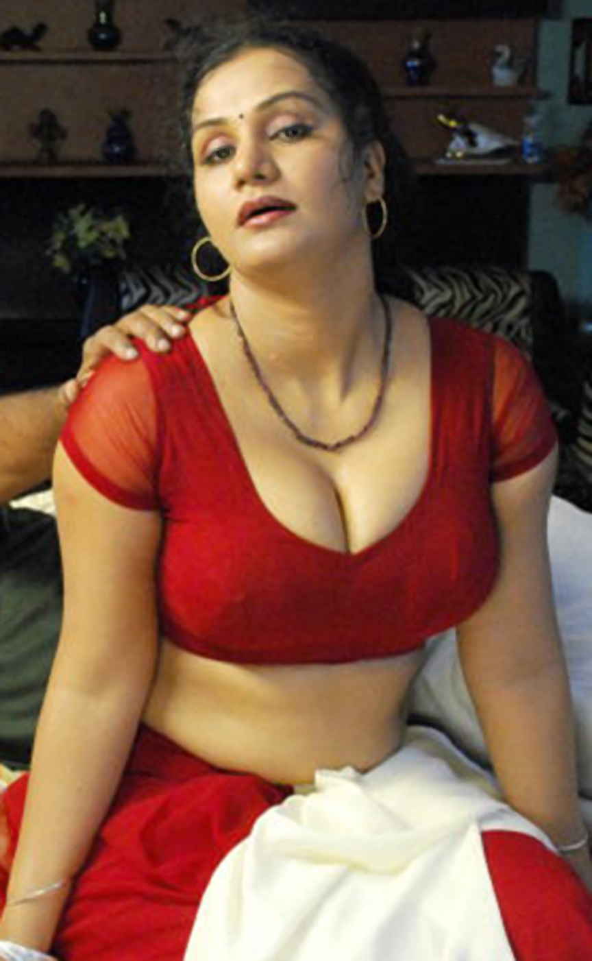 Actress roshni in scene from a mallu movie 1