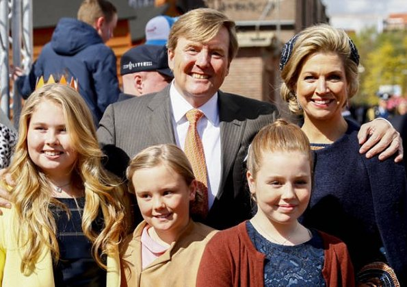 Textiel Museum, Jan Taminiau, Queen Maxima wore Jan Taminiau dress. Princess Laurentien wore Missoni dress. Amalia wore Zara dress
