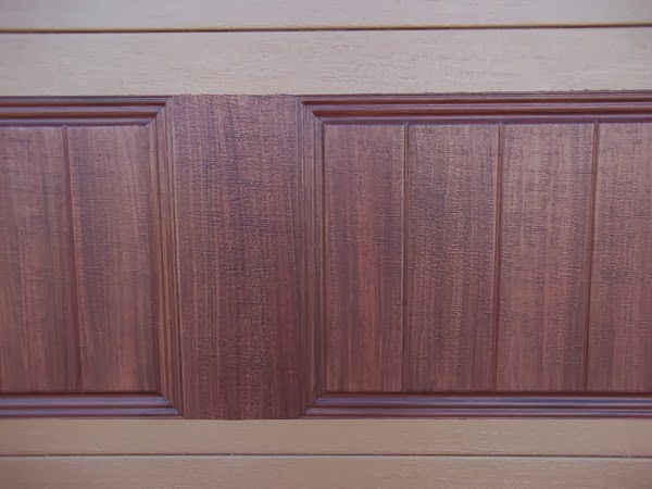 paint a garage door to look like wood