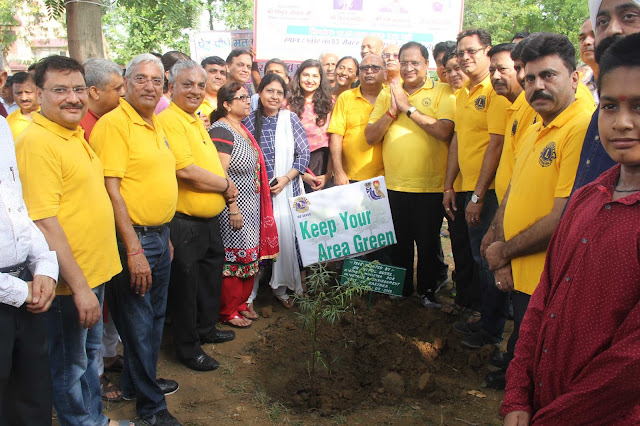 Industry Minister Vipul Goyal, who arrived in the plantation program of Lions Club of Faridabad Central