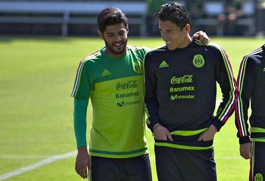 Carlos Vela y Héctor Moreno.
