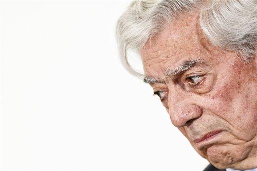 """Vargas Llosa: """"A Fidel Castro no lo absolverá la historia"""""""