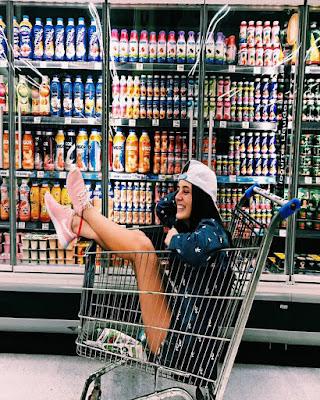 pose dentro carrito de compras