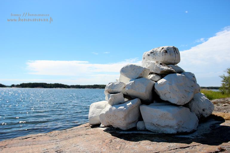 kivipatsas kalliolla