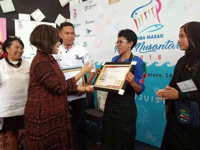 Sientje Toumahu Juara Lomba Masak Ikan untuk Presiden Jokowi
