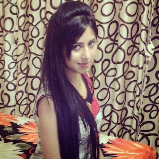 , Richa Mukherjee Hot Pics - Indian Tv Heroine with Longest Hair