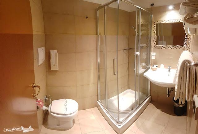 Quarto, Banheiro, Hotel Lirico, Roma, Itália