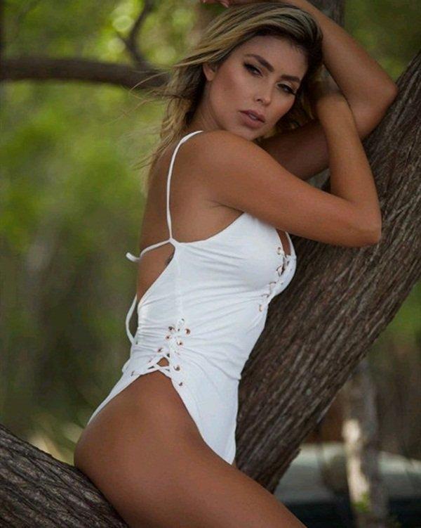 Paola Canas: Quả bom sex mê Messi -5