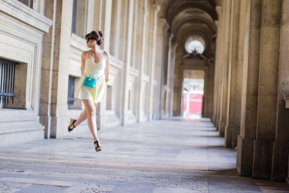 博客模式巴黎,街头风,夏季时尚,在巴黎见我