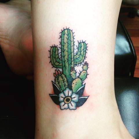 Tatuagens de cactos para as meninas