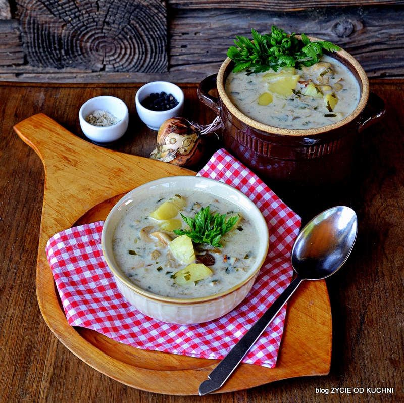 grzybowa zupa, pazdziernik sezonowe owoce pazdziernik sezonowe warzywa, sezonowa kuchnia, pazdziernik, zycie od kuchni