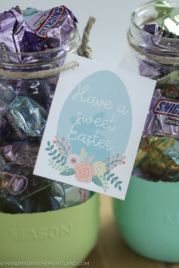 Easy painted Easter mason jar gifts
