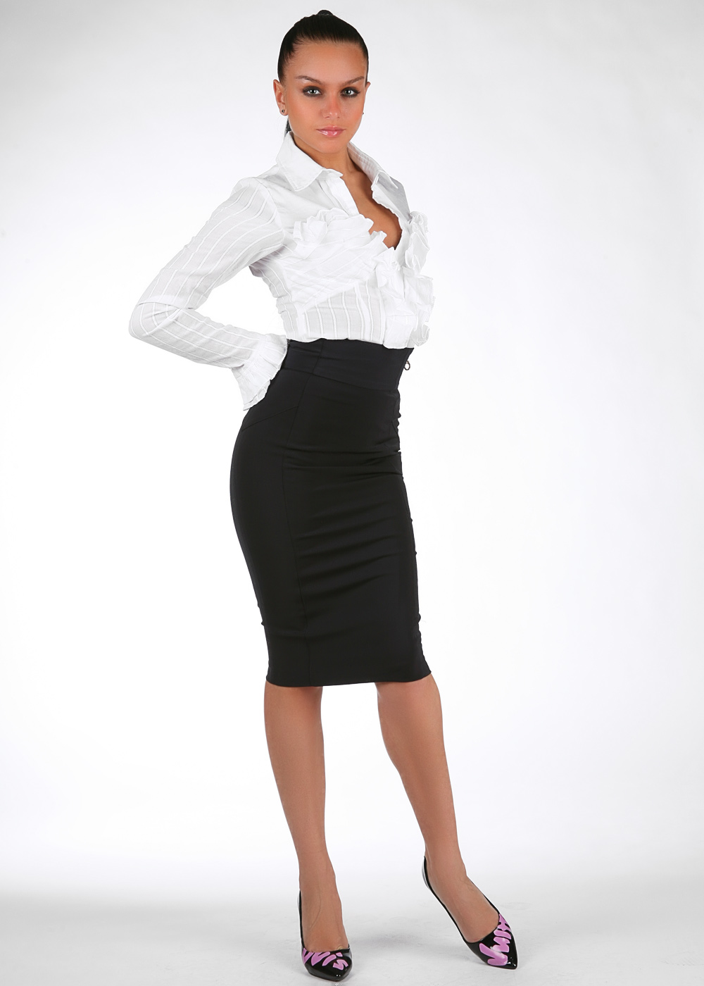 Business woman look-skirt suit and tights | fashion tights ...