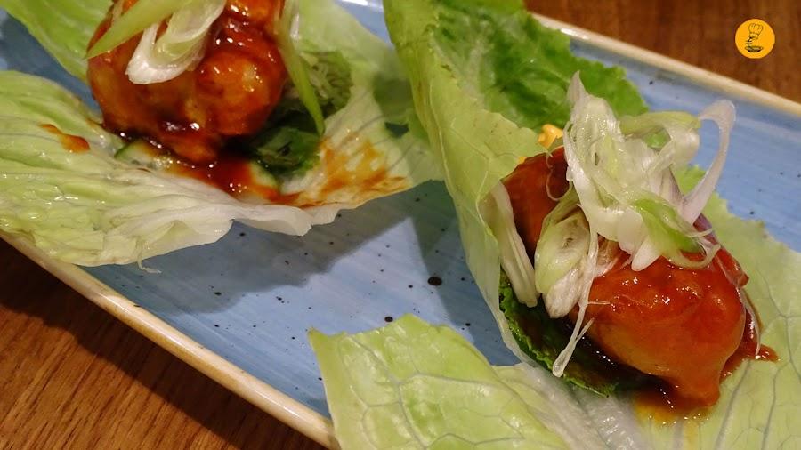 Saam de alitas de pollo deshuesadas en Latasia Casa de Comidas