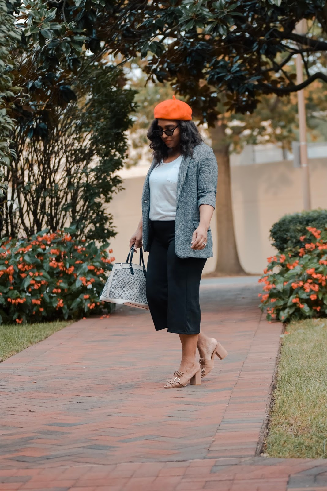 Blazers for fall, trends hats for fall, blazers, mom bloggers, postpartum, fashion bloggers, simple outfit ideas, fall outfits