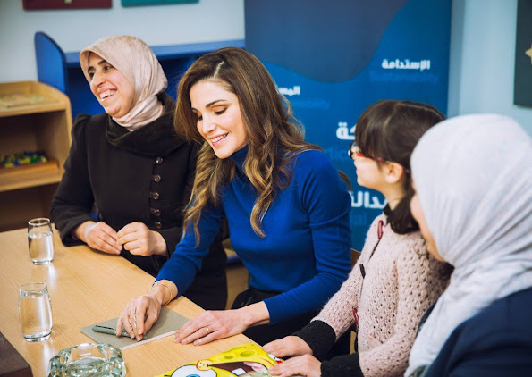 On the occasion of Mother's Day on Monday 21st March 2016, Queen Rania of Jordan visited children currently residing at Dar Al Aman, The Jordan River Foundation's (JRF) Child Safety Center. newmyroyals, new my royals, newmy royals