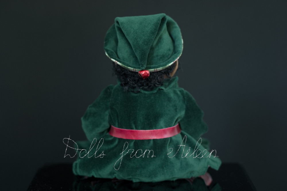 ooak Christmas elf art doll, view from behind