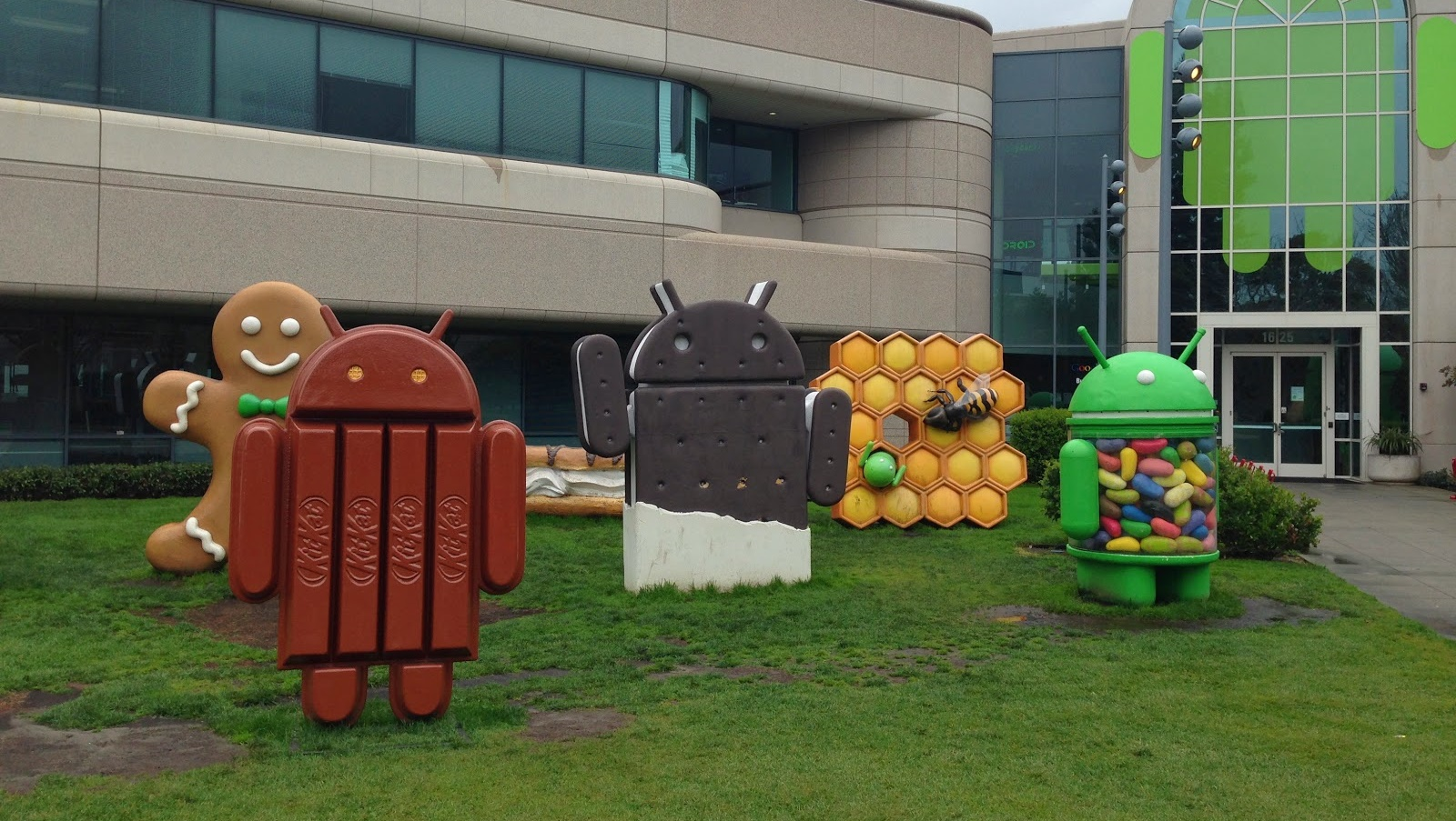 google-android-statues-android-m