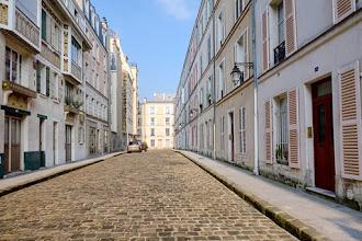 Paris : Passage d'Enfer, l'une des premières cités ouvrières réalisées sous le Second Empire - XIVème