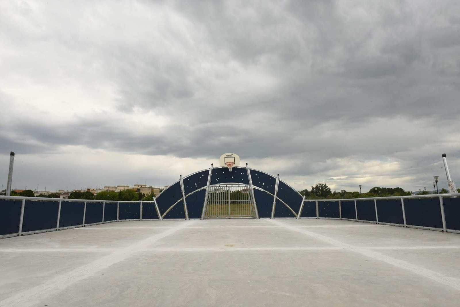 Με τον Θοδωρή Παπαλουκάς η παράδοση του πολυγηπέδου και της πίστας skate στο Πάρκο των Χρωμάτων