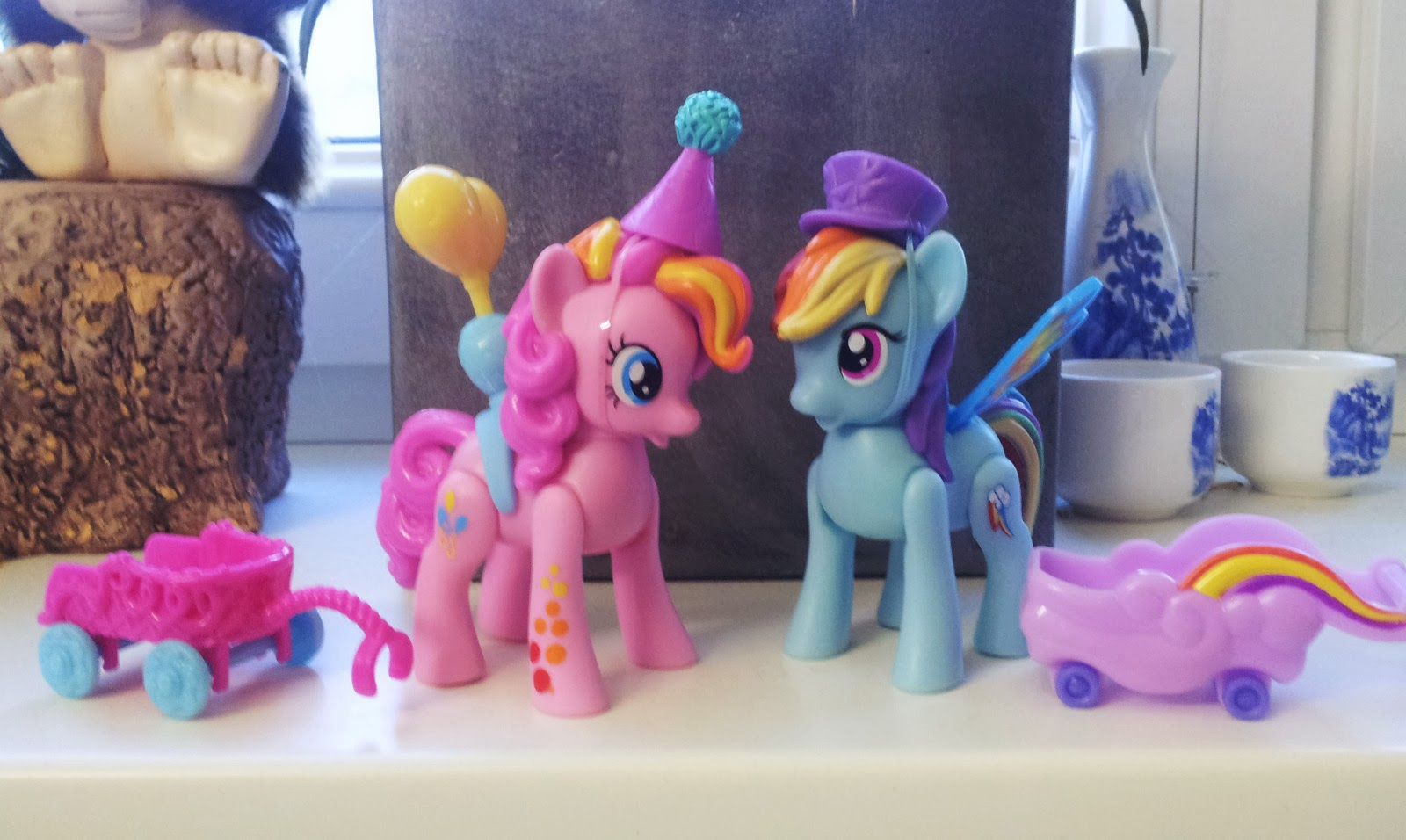 Pinkie Pie and Rainbow Dash Zoom n GO figures