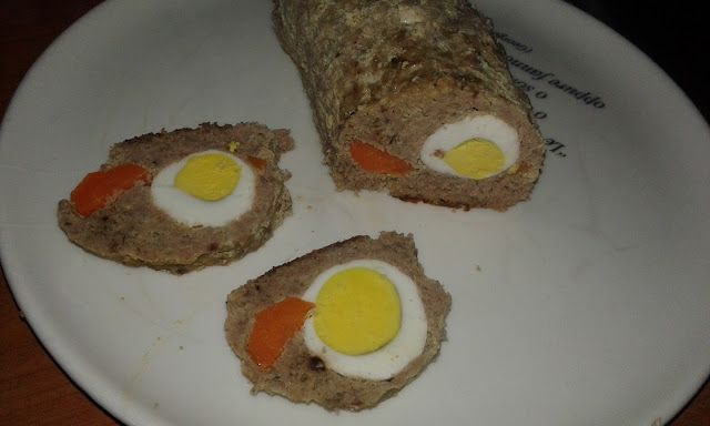 Meatloaf with egg and carrot in the middle recipe
