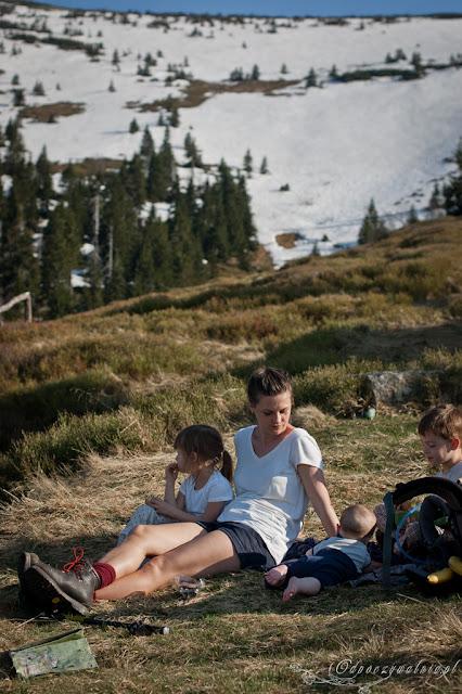 majówka w górach, dzieci na szlaku, trekking rodzinny, co robić w szklarskiej porębie