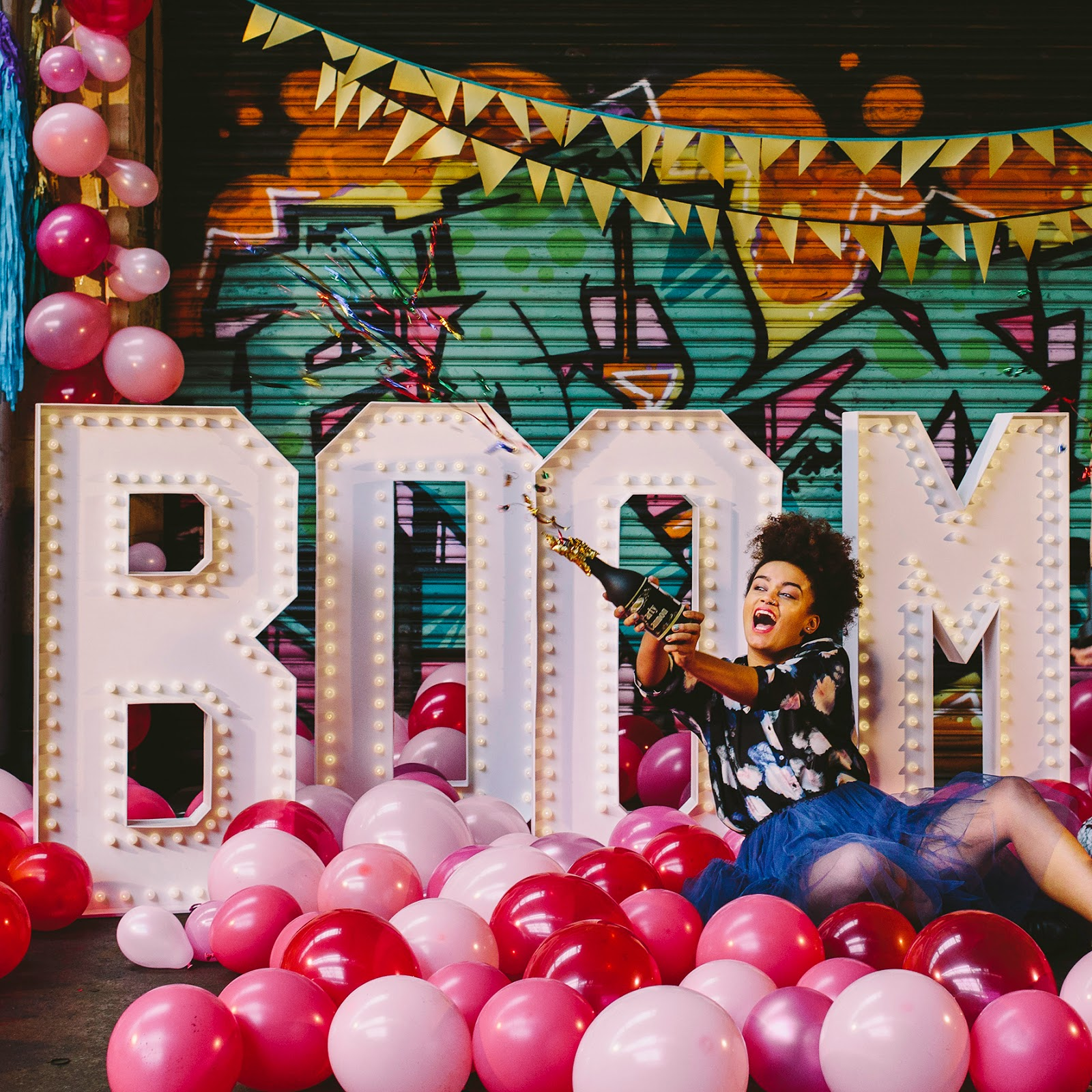 A Most Curious Wedding Fair Blog: GIANT Light Up Letters
