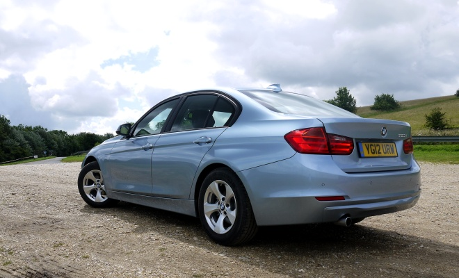 BMW 320d Efficient Dynamics - rear view