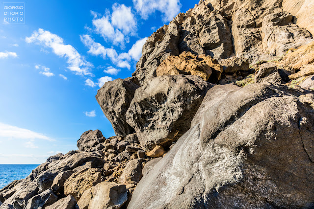foto Ischia, trekking Ischia, Foto di Ischia, Baia della Pelara, Ischia isola vulcanica, Rocce vulcaniche di Ischia, sentieri di Ischia