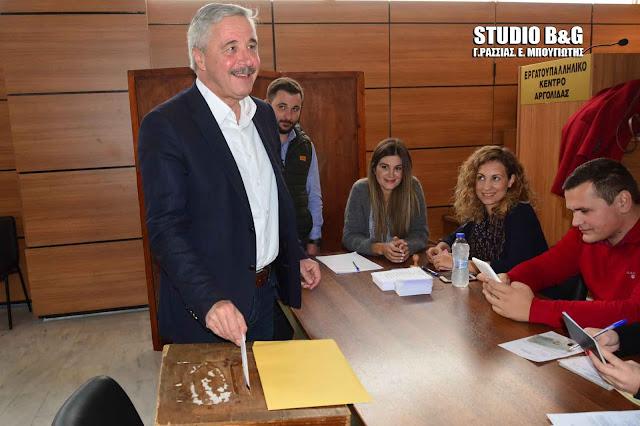 Αισιόδοξος ο Γιάννης Μανιάτης για το αποτέλεσμα της εκλογικής διαδικασίας