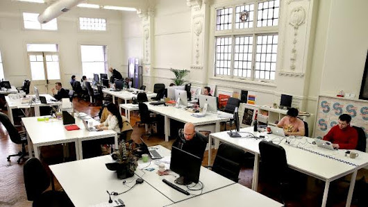 How working professionals can use Co-working Spaces during weekends and enhance productivity?