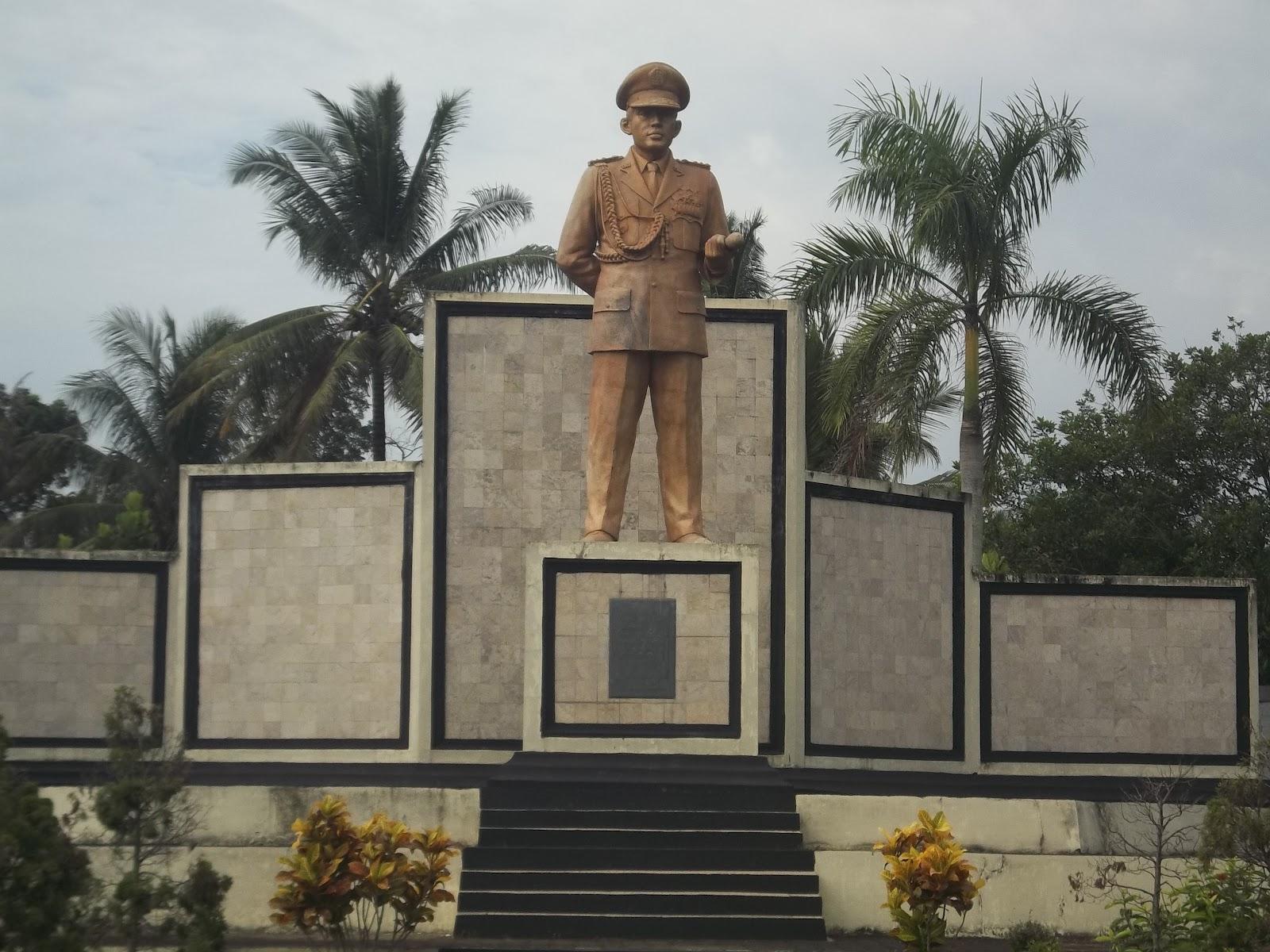 Gambar Monumen Sumpah Pemuda Daftar Monumen Di Indonesia Lengkap Porosilmu Com