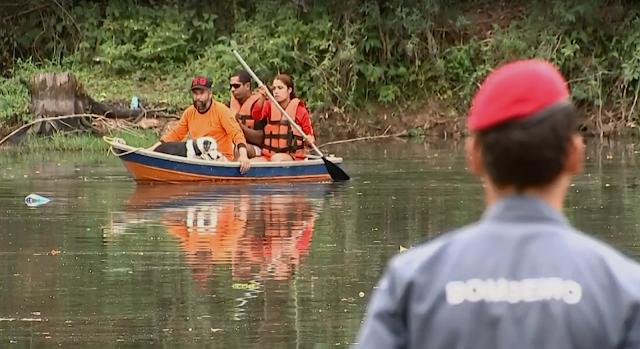 Buscas por adolescente desaparecida começaram em Araçariguama (Foto: TV TEM/Reprodução)
