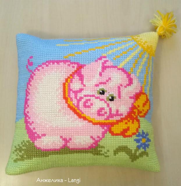 """Подушка """"Свинка"""""""