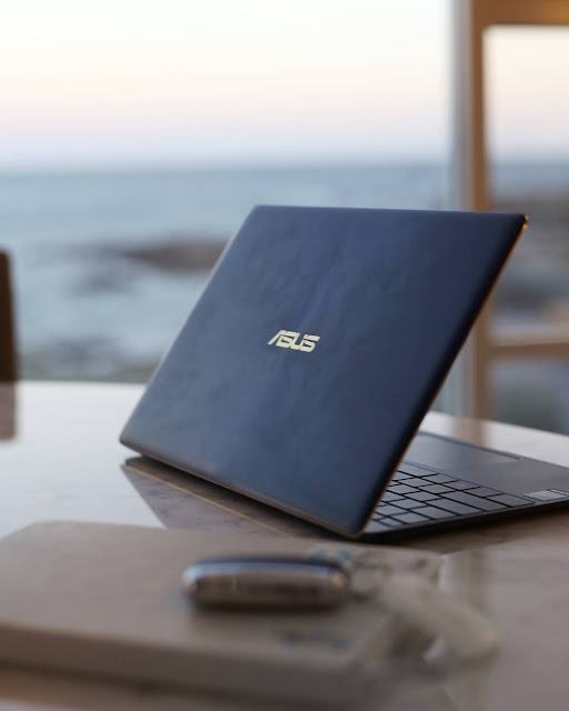 Asus ZenBook 3 UX390UA Review: Gaming Laptop