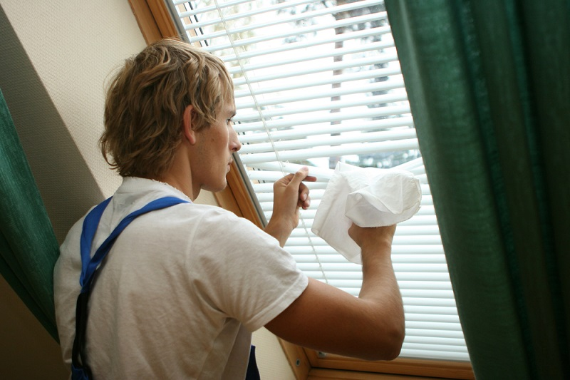 cleaning roman blinds