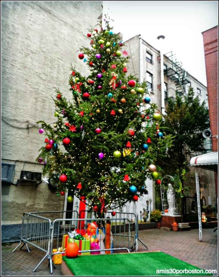 Árbol de Navidad en Little Italy