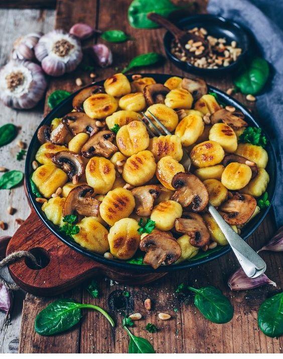 Crispy Roasted Gnocchi With Garlic Mushrooms (Vegan)