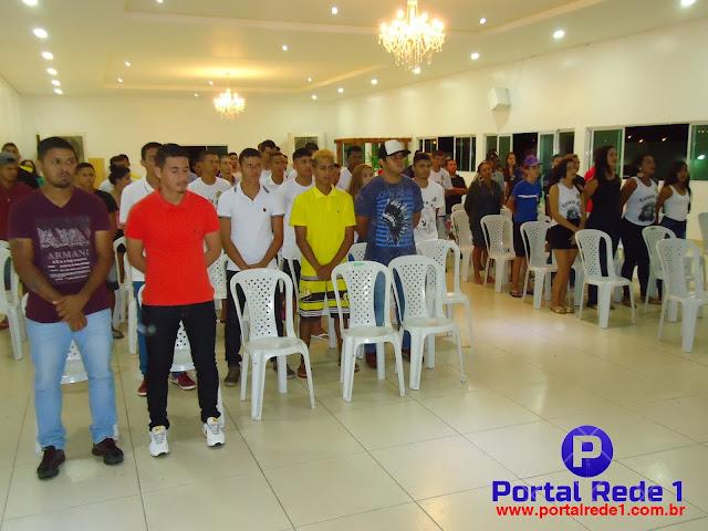 Público presente á solenidade de premiação (créditos: Portal Rede 1)