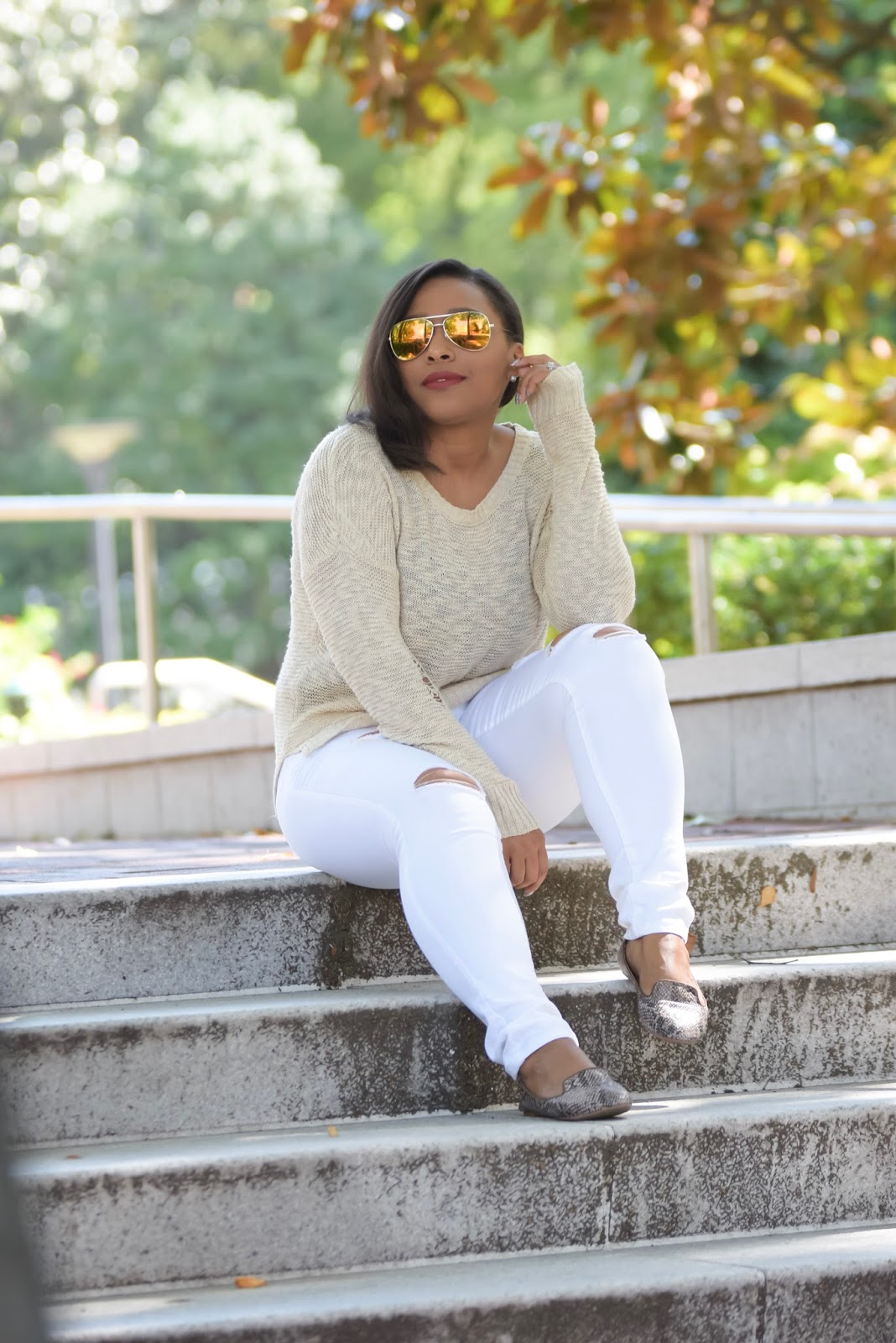 4 Ways To Wear White Jeans This Fall, clorox, bleach, how to bleach clothes, white denim, ripped denim, fall outfit ideas, laundry, white after labor day