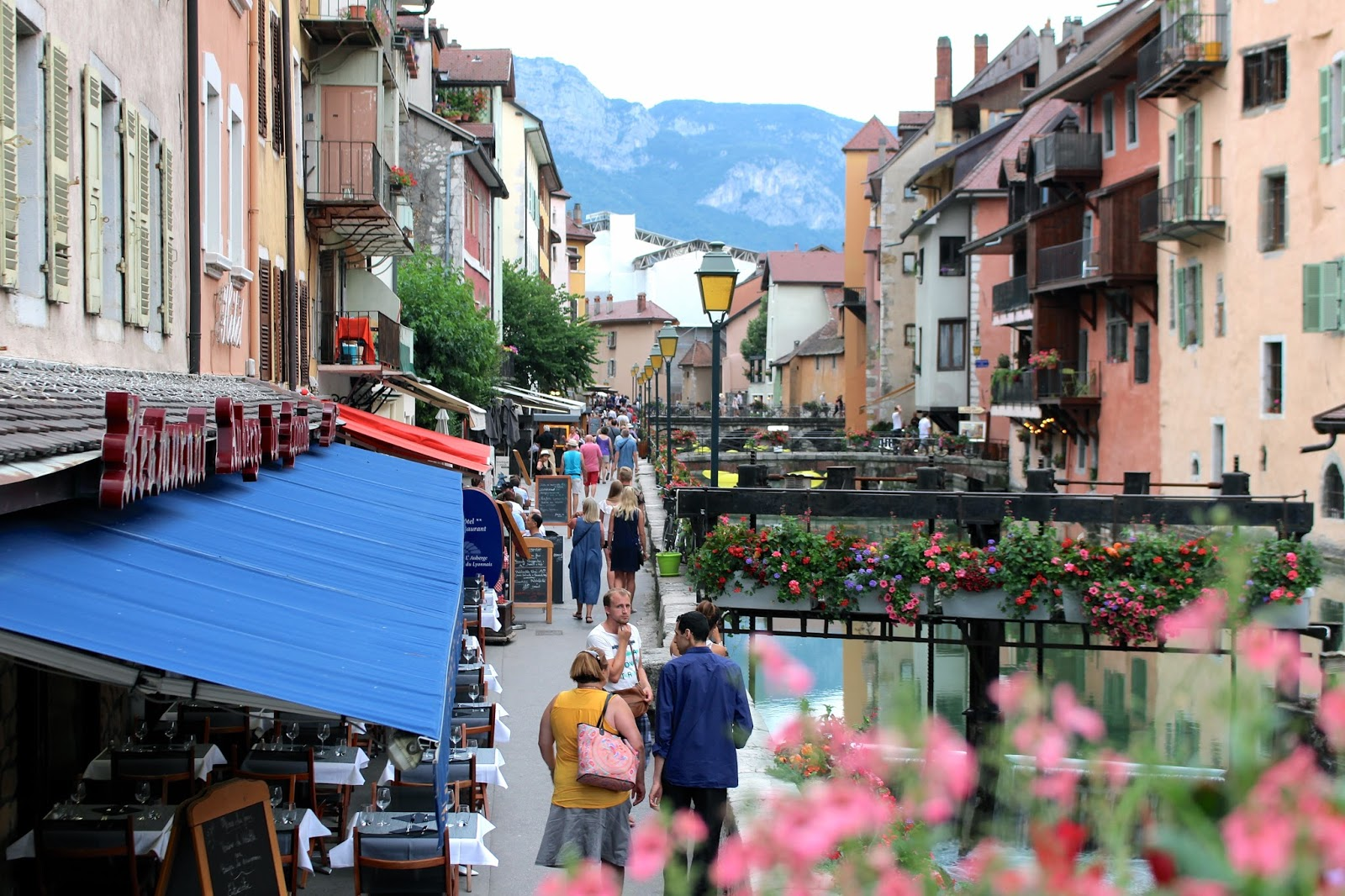 Alpine town of Annecy travel blogger