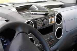Seperti yang tertulis di bagian bawah artikel sebelumnya, dengan judul yang berbeda, Cara Memiliki Sistem Audio Mobil Berkualitas Terbaik ini adalah Lanjutan dari posting http://www.teknovanza.com/2014/05/tips-kualitas-audio-mobil-terbaik.html Maka langsung saja di simak berikut ini tips selanjutnya: