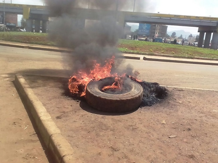 YOUTH BLOCK roads in Kondele, Kisumu, to protest!