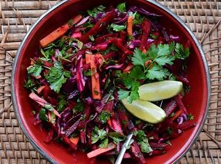 Cara Cara Diet Alami Dengan Makan Salad Pembersih Usus