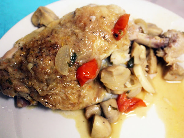 Improvisation is delicious (Chicken with Mushroom Gravy and Cherry Tomatoes)