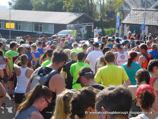 Throng of runners
