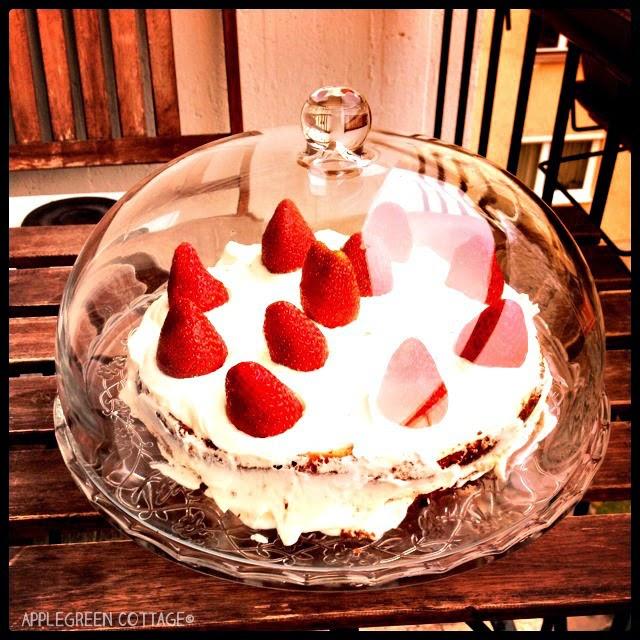 summertime sponge cake with strawberries